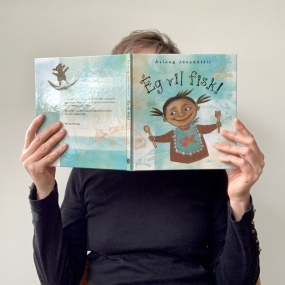 Behind-a-book-Aslaug-Jonsdottir - 1